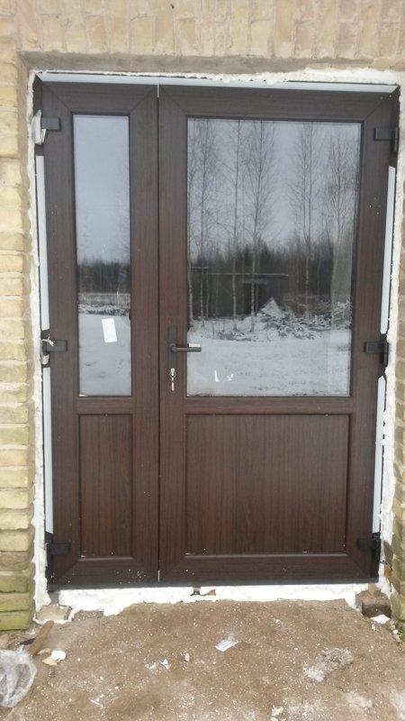 PVC veramas un bīdāmas durvis uz pasūtījuma