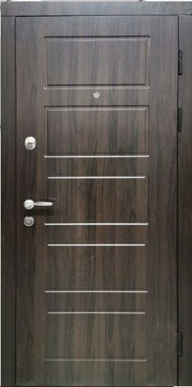 Metāla durvis dzīvoklim DELTA