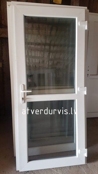 PVC durvis Baltas ar dalījumu stikls/stikls