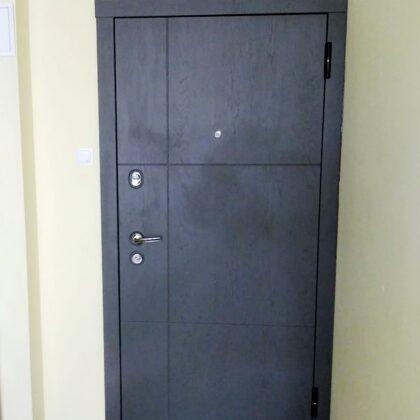 Matāla durvis ar lamināciju-dzīvoklim.