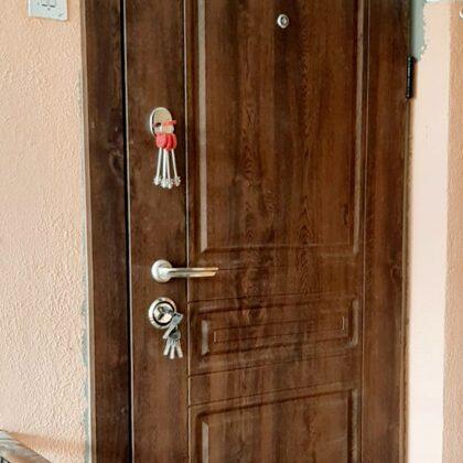 Metāla durvis dzīvoklim.